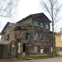 На развалинах почтовой  станции. :: Сергей Кочнев