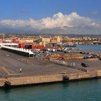 Входим в порт Катаньи. :: Leonid Korenfeld