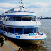 В порту Гамбурга :: Nina Yudicheva