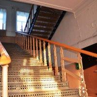 Винтажная лестница :: Михаил Радин