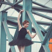 Балерина в городе :: Ольга Белёва