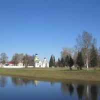 вид на Тихвинский мужской монастырь :: Ольга Варванец
