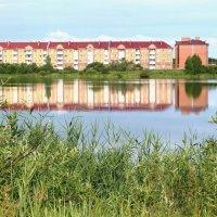 отражение дома в озере :: Мария К