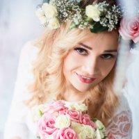 Невеста Люция с букетом цветов :: Елена Задко