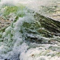 неспокойно Черное море... :: Александр Корчемный