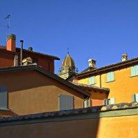 Стены и ставни в полуденный зной :: M Marikfoto