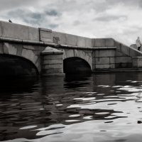 На берегах Невы :: Михаил Александров