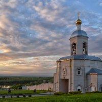 Надвратный храм Николая Чудотворца в Усть-Медведицком монастыре :: Marina Timoveewa
