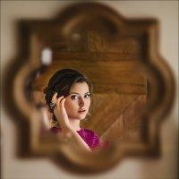 Для каждого из нас жизнь – это маленькая комната, где вместо стен зеркала. :: Алексей Латыш