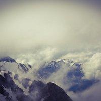 Вершины гор в пучине облаков :: Елена