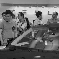 в салоне электромобилей Tesla (смысловой пункту композиции 4-2) :: Sofia Rakitskaia
