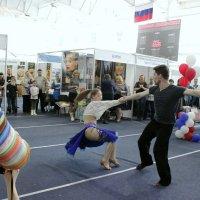 Танец :: людмила Миронова