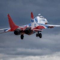 Возвращение МиГ-29УБ с разведки погоды :: Павел Myth Буканов