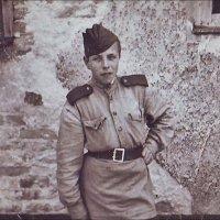 Победитель. Берлин, май 1945 года :: Нина Корешкова