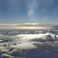 Там, над облаками... :: Михаил Лесин