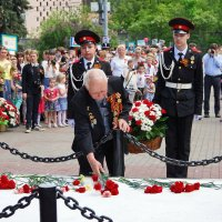 Празднование Дня Победы в одном из районов Москвы. :: Юрий Шувалов