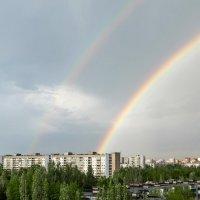 А из нашего окошка только радуга немножко :: Анатолий Казанцев