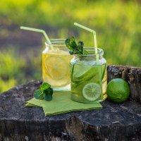 Домашний лимонад в весеннем саду :: Ирина Лепнёва