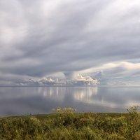 Облака-миражи наТаганрогском заливе :: Константин Снежин