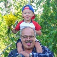 У деда на плечах! :: Serz Stepanov