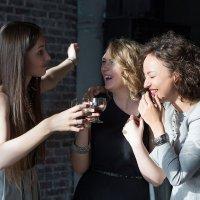 Подружки веселятся :: Евгения Лисина