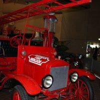 Ретро пожарная машина. :: Антонина