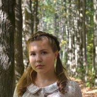 в лесу :: Алена Ошмарина
