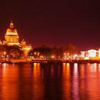 Исаакиевский собор ночью :: Наталья Петрова
