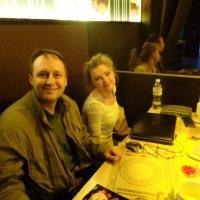 На деловой встрече в ресторане компьютер - главное блюдо... :: Алекс Аро Аро