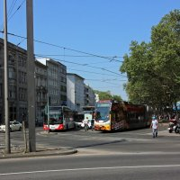 По городу гуляя :: Alexander Andronik