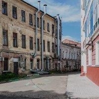 Ярославские дворики :: Владимир Голиков