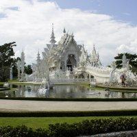 Белый храм в Чианг Рае :: Eugene Prokoff