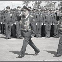 НА ПАРАДЕ В ЧЕСТЬ ПОБЕДЫ НАД ФАШИЗМОМ В 1941-19 :: Юрий Ефимов