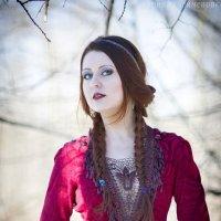 девушка в лесу :: Ирина Клейменова