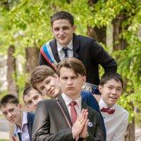 Выпускники в парке :: Юлия Другова
