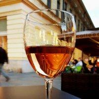 Нас утро встречает прохладой, а вечер - бокалом вина:) :: Tatiana Belyatskaya