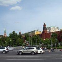 Вид на Кремль с Боровицкой площади. :: Yuri Chudnovetz