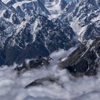 Маленькие-большие горы :: Иван