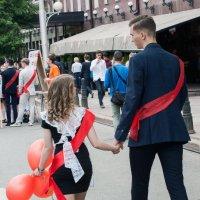 Не горюй,до свадьбы еще подрастешь! :: Алексей Патлах