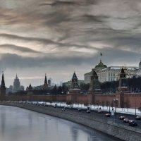 Москва зимняя :: Владимир Бесперстов