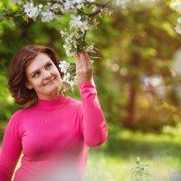 Весенняя яблонька) :: Nadin Keara