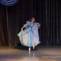 """танец """"Гавот Люли"""" :: Владислав Лопатов"""