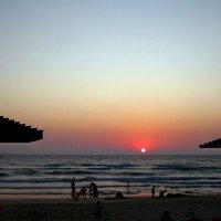 Закатный пляж :: Nelly Lipkin