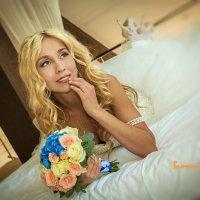 Утренняя фотосессия невесты. :: Виталий Смолянинов