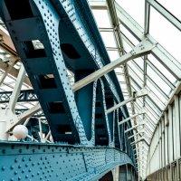 мост изнутри :: Лариса *