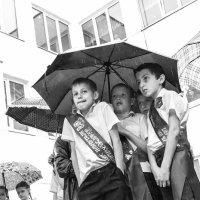 Выпускной дождь :: Андрей Володин