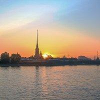Рассвет на Петропавловке :: Valerii Ivanov