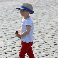 не детский взгляд из под шляпы :: Олег Лукьянов