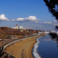 Город на великой реке :: Юрий Жарский