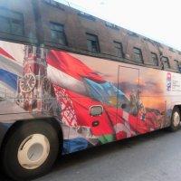Автобус и его окна :: Vladimir Semenchukov